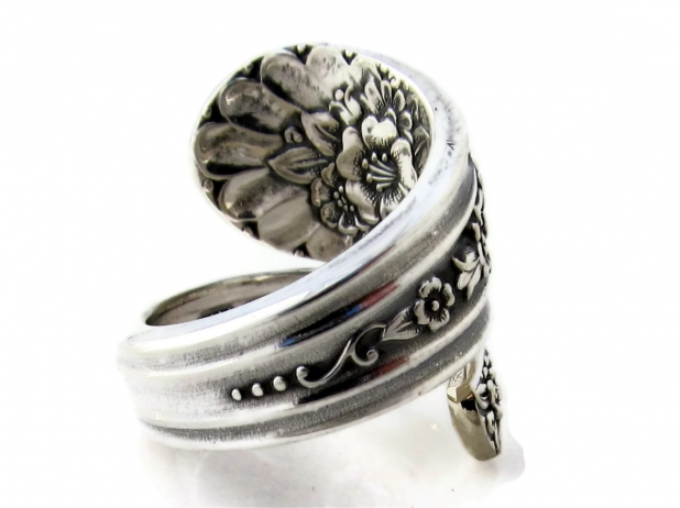 Spoon Ring Jubilee side view