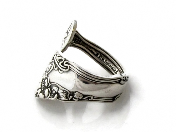 berwick siana spoon ring side view