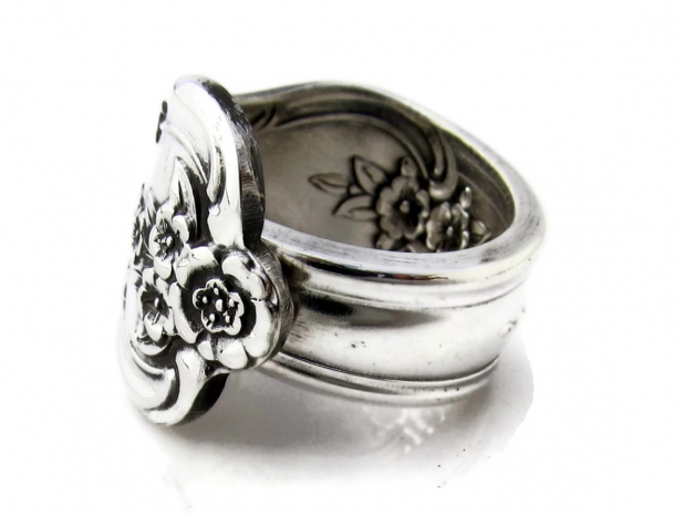 Inspiration Spoon Ring Size 8 Side View