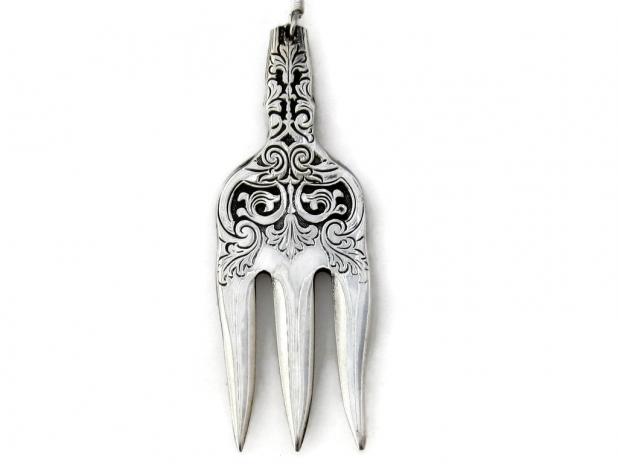 Alhambra cocktail fork earrings single