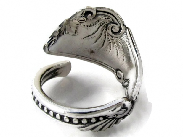 Spoon Ring Pequot back View