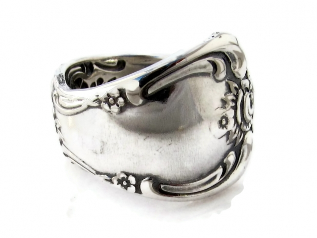 Vanessa spoon ring side view