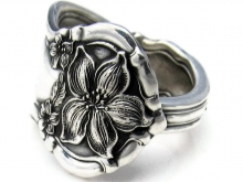 Spoon Ring Orange Blossom made by Dank Artistry