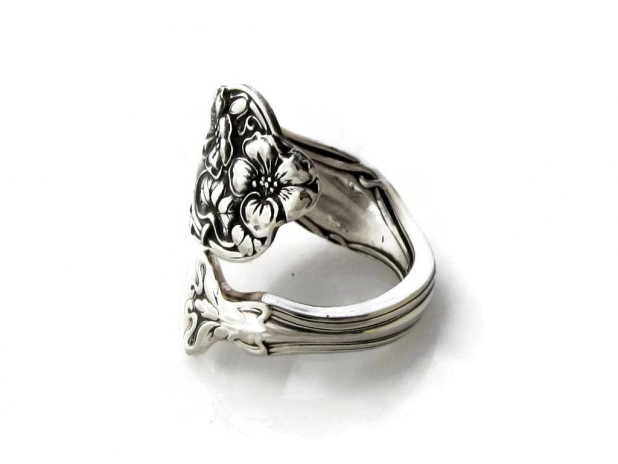 berwick diana spoon ring side view