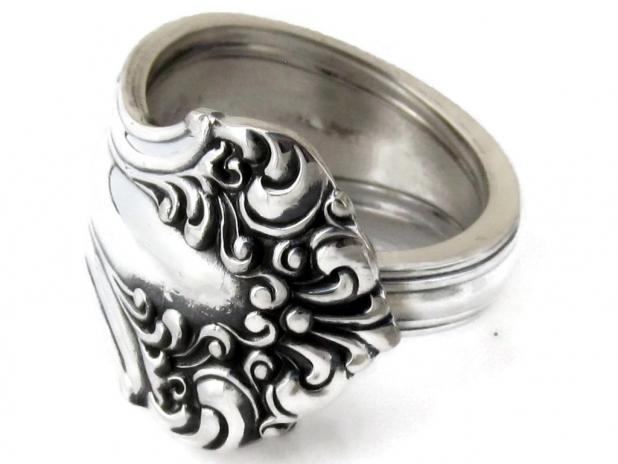 Spoon Ring Avon D Monogram