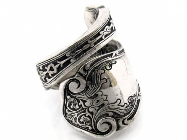 Alhambra wrapped spoon ring