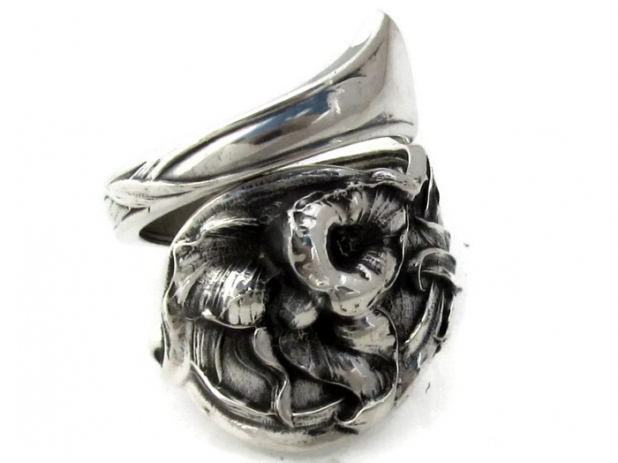 Spoon Ring Orchid By Watson Wrapped
