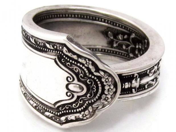 Romance spoon ring