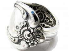 Vanessa spoon Ring Front View